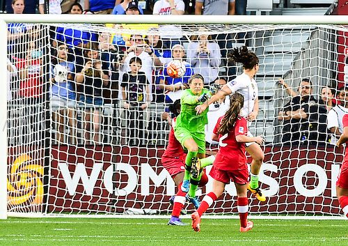 21.02.2016. Houston, TX, USA. United States Midfielder Lindsey Horan (9) scores a second half goal during the Women's Olympic qualifying soccer final between Canada and USA at BBVA Compass Stadium in Houston, Texas.