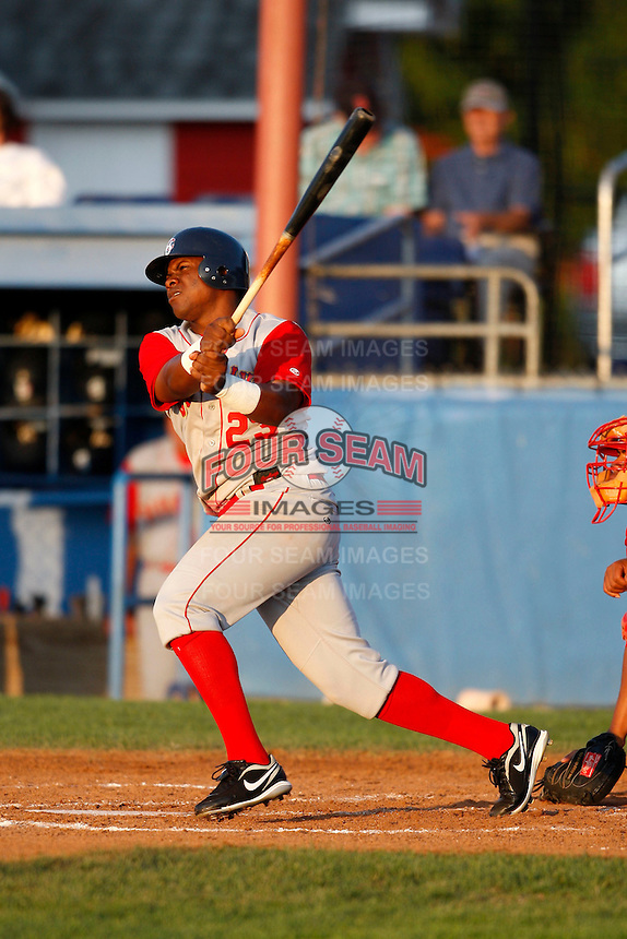 August 6, 2009:  Luis Rivera of the Brooklyn Cyclones during a game at Dwyer Stadium in Batavia, NY.  The Cyclones are the Short-Season Class-A affiliate of the New York Mets.  Photo By Mike Janes/Four Seam Images