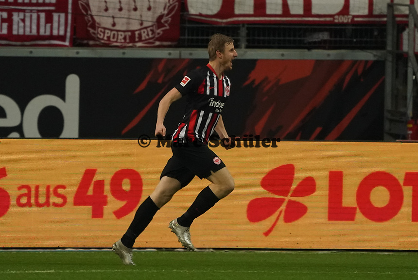 celebrate the goal, Torjubel zum 1:0 Martin Hinteregger (Eintracht Frankfurt) - 18.12.2019: Eintracht Frankfurt vs. 1. FC Koeln, Commerzbank Arena, 16. Spieltag<br /> DISCLAIMER: DFL regulations prohibit any use of photographs as image sequences and/or quasi-video.