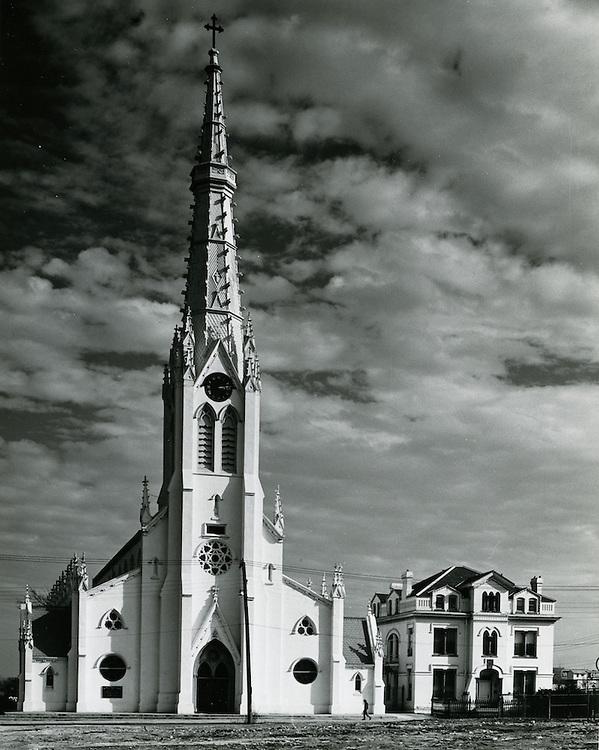 1962 March 02..Historical...St Mary's Catholic Church..HAYCOX PHOTORAMIC INC..NEG# 62-98-5.NRHA# 970..