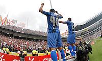 """QUITO - ECUADOR, 20-12-2015: C. S. Emelec de Ecuador se coronó por primera vez en su historia tricampeón consecutivo del Campeonato Ecuatoriano de Fútbol """"Copa Pilsener"""" 2015 tras empatar 0-0 en el juego de vuelta final con Liga de Quito (3-1 global) jugado en el estadio Casa Blanca en la ciudad de Quito. / C.S. Emelec of Ecuador won for first time in its history as consecutive three times champion of Ecuadorian Soccer Championship """"Pilsener"""" 2015 after tying 0-0 in a final second leg match with Liga de Quito (3-1 global) played at Casa Blanca stadium in Quito city . Photo: VizzorImage/ Franklin Jacome / ACGPHOTO"""
