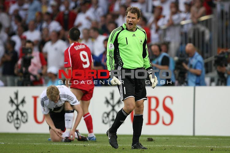 UEFA Euro 2008 Semi-Finals Match 29 Basel - St. Jakob-Park. Deutschland ( GER ) - T&uuml;rkei ( TUR ). <br /> Jens Lehmann ( Germany / Torh&uuml;ter / Goalkeeper / Arsenal London #01 ) schreit seine Mitspieler an.<br /> Foto &copy; nph (  nordphoto  )