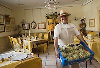 Europe/France/Provence-Alpes-Cote d'Azur/84/ Vaucluse/Cavaillon : Jean-Jacques Prévot  du restaurant Prévot sur le thème du melon,décoration et menus