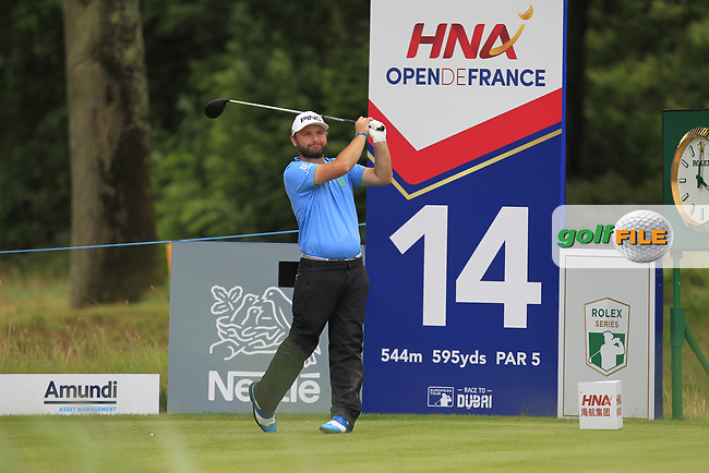 Andy Sullivan (ENG) on the 14th tee during Round 3 of the HNA Open De France  at The Golf National on Saturday 1st July 2017.<br /> Photo: Golffile / Thos Caffrey.<br /> <br /> All photo usage must carry mandatory copyright credit      (&copy; Golffile | Thos Caffrey)