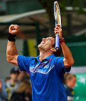 29-05-13, Tennis, France, Paris, Roland Garros, Tommy Robredo wins after being two sets down