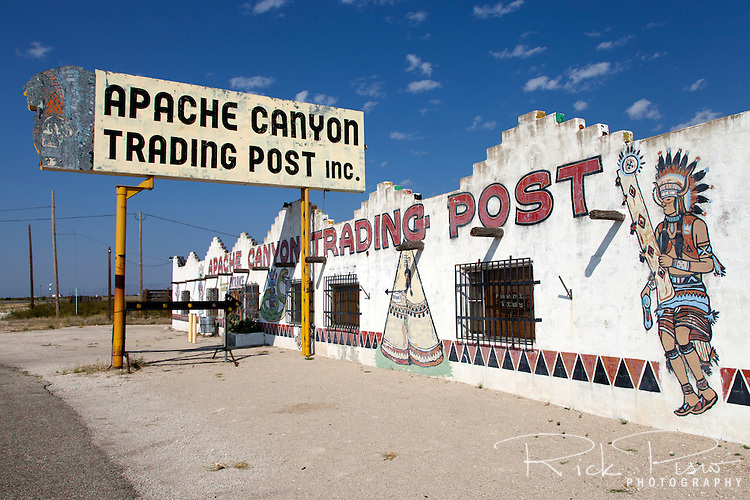 Apache Canyon Trading Post near White City and Carslbad Caverns in New Mexico