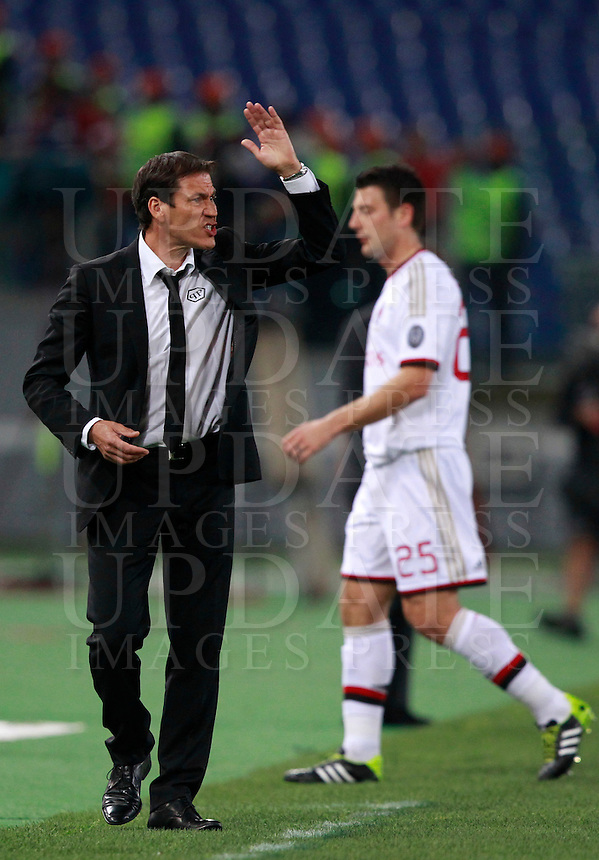 Calcio, Serie A: Roma vs Milan. Roma, stadio Olimpico, 25 aprile 2014.<br /> AS Roma coach Rudi Garcia, of France, gestures to his players during the Italian Serie A football match between AS Roma and AC Milan at Rome's Olympic stadium, 25 April 2014.<br /> UPDATE IMAGES PRESS/Isabella Bonotto