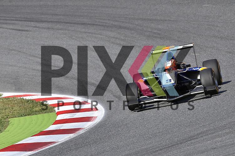 Barcelona, 10.05.15, Motorsport, GP3 Series Barcelona 2015 : Mitchell Gilbert (Carlin, #03)<br /> <br /> Foto &copy; P-I-X.org *** Foto ist honorarpflichtig! *** Auf Anfrage in hoeherer Qualitaet/Aufloesung. Belegexemplar erbeten. Veroeffentlichung ausschliesslich fuer journalistisch-publizistische Zwecke. For editorial use only.
