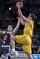 Herbalife Gran Canaria's Jon Scheyer (r) and Uxue Bilbao Basket's Nikos Zisis during Spanish Basketball King's Cup match.February 07,2013. (ALTERPHOTOS/Acero) /NortePhoto