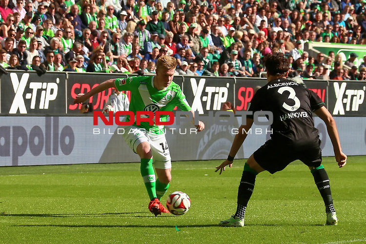 02.052015 Volkswagen Arena, Wolfsburg, GER, 1.FBL, VfL Wolfsburg vs Hannover 96, im Bild <br /> <br /> <br /> Kevin De Bruyne #14 gegen Miiko Alboroz #3<br /> Foto &copy; nordphoto / Rust