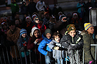 New York, NY-November 23: Audience attends the 91st Annual Macy's Thanksgiving Day Parade on November 23, 2017 held in New York City Credit: mpi43/MediaPunch /NortePhoto.com NORTEPHOTOMEXICO