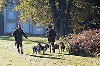 Europe/France/Centre/41/Loir-et-Cher/Sologne/Chaumont-sur-Tharonne: Maison d'Hôtes: Le Mousseau <br /> Les propriétaires, Mr et Mme Campocasso partent à la chasse<br /> AUTO N°:2012-4114  // Europe/France/Centre/41/Loir-et-Cher/Sologne/Chaumont-sur-Tharonne: Guest House: Le Mousseau <br /> The owners, Mr et Mrs Campocasso go hunting<br /> AUTO N°:2012-4114