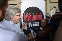 Roma 14 Luglio 2012.Vittorio Sgarbi presenta il suo Partito della Rivoluzione, laboratorio Sgarbi..Nella foto, con la stampa