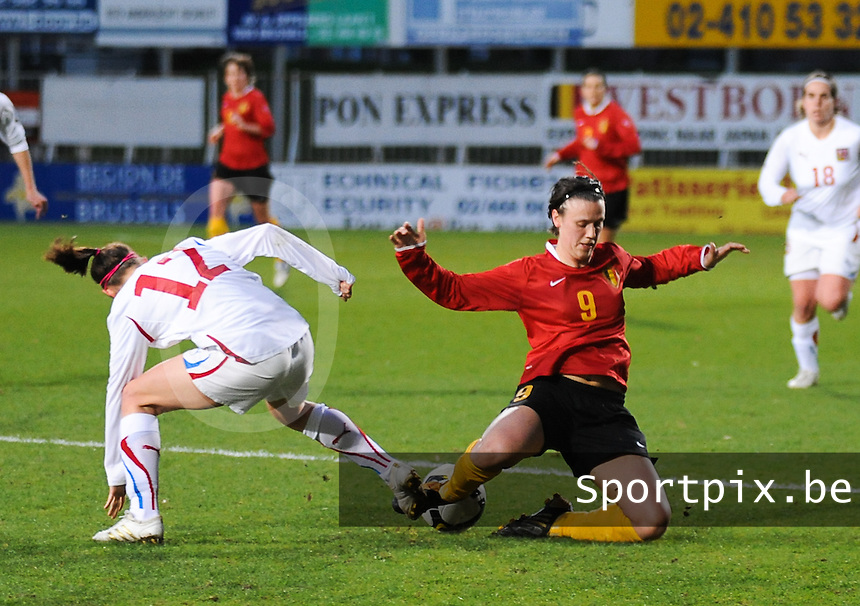 Belgium - Czech Republic : Marjorie De Rammelaere in duel.foto DAVID CATRY / Vrouwenteam.be