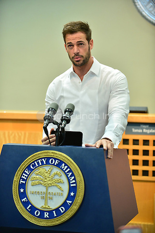MIAMI, FL - OCTOBER 06: Actor William Levy receives a key to the city of Miami from Mayor Tomas Regalado on October 6, 2014 in Miami, Florida. Credit: MPI10 / MediaPunch