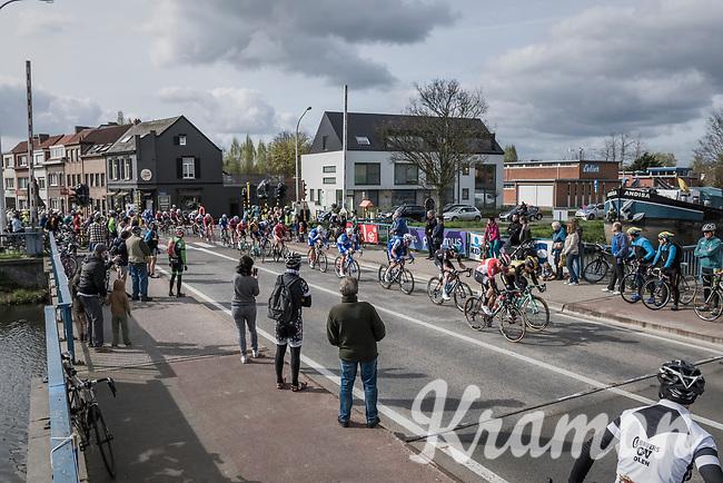 peloton with 1 local finish lap to go<br /> <br /> 105th Scheldeprijs 2017 (1.HC)<br /> 1 Day Race: Mol &rsaquo; Schoten (BEL/202km)