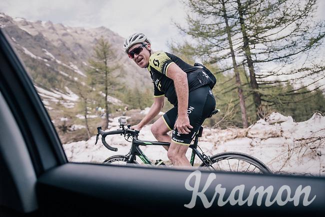 vélo-tourist (and former Roubaix winner!) Stuart O'Gready (AUS) up the gravel roads of the Colle delle Finestre <br /> <br /> stage 19: Venaria Reale - Bardonecchia (184km)<br /> 101th Giro d'Italia 2018