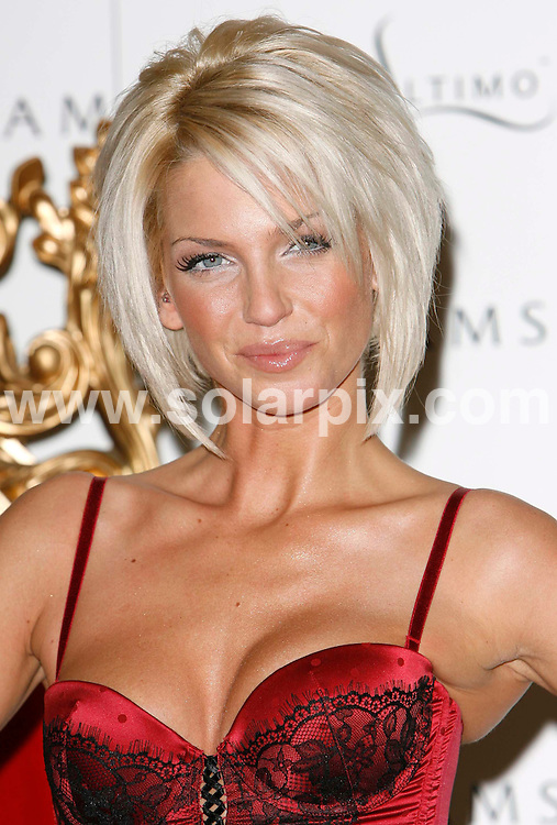 ALL ROUND PICTURES FROM SOLARPIX.COM.WORLDWIDE SYNDICATION RIGHTS..Sarah Harding in her first official appearance as the face and body of Ultimo the lingerie brand at the Debenhams store in Oxford Street, London..DATE: 05/12/2006-JOB REF: 3136-PRS.**MUST CREDIT SOLARPIX.COM OR DOUBLE FEE WILL BE CHARGED**