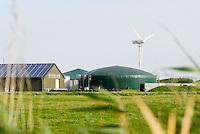 GERMANY Biogas plant at Pellworm Northsea island / DEUTSCHLAND , <br /> Envitec Biogasanlage mit Blockheizkraftwerk BHKW zur Stromerzeugung und Waermeerzeugung auf Nordseeinsel Pellworm , Vergaerung von Mais und Rinderguelle - Bürgerenergie, Buergerenergie
