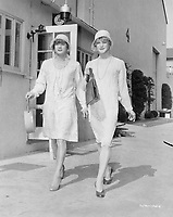 Some Like It Hot (1959)<br /> Jack Lemmon &amp; Tony Curtis<br /> *Filmstill - Editorial Use Only*<br /> CAP/KFS<br /> Image supplied by Capital Pictures