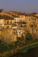 Europe/France/Aquitaine/47/Lot-et-Garonne/Villeneuve-sur-Lot : Bords du Lot et vieilles maisons