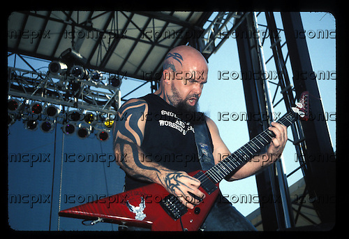 Slayer - guitarist Kerry King - performing live on the Tattoo The Earth Tour at the Orange Pavillion in San Bernardino, CA USA - Aug 12, 2000.  Photo credit: Kevin Estrada / IconicPix