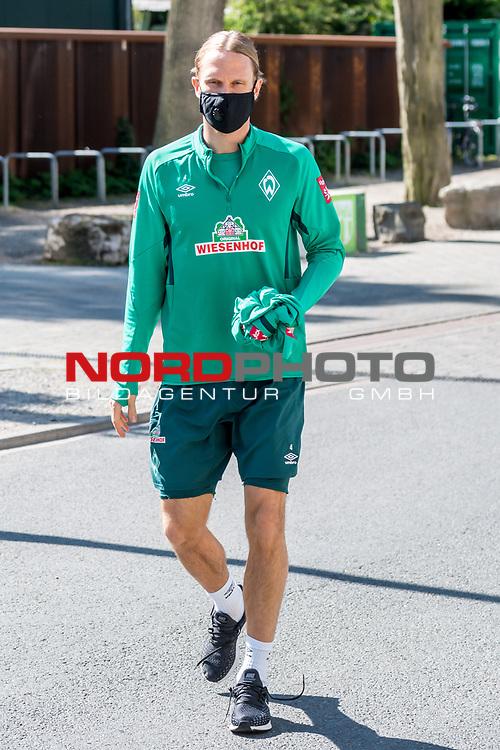 21.05.2020, wohninvest Weserstadion Trainingsplatz, Bremen, GER, Werder Bremen, Training, <br /> <br /> im Bild<br /> Michael Lang (Werder Bremen #04)<br /> <br /> Foto © nordphoto / Paetzel