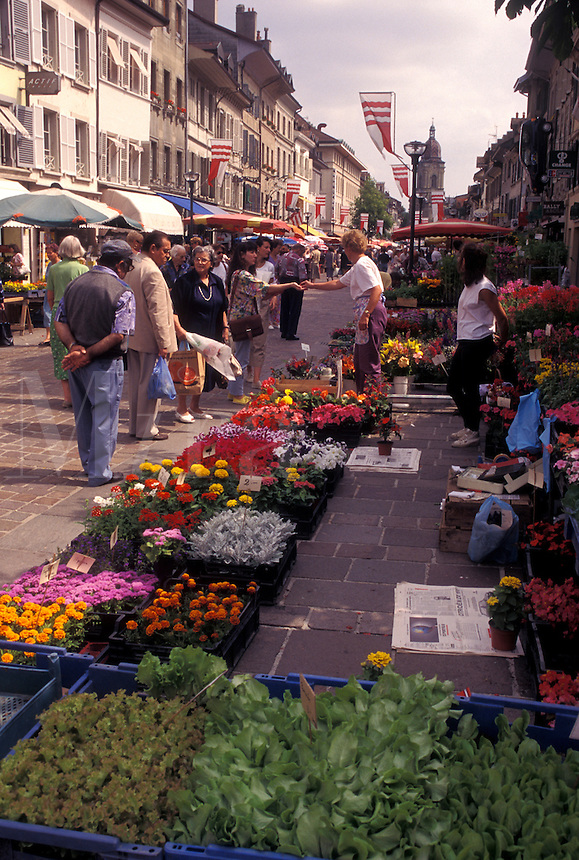 market, Switzerland, La Cote, Vaud, Flowers for sale at an open air market in the town of Morges.