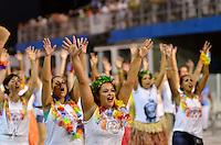 ATENÇÃO EDITOR FOTO EMBARGADA PARA VEÍCULOS INTERNACIONAIS - SÃO PAULO, SP, 02 DE FEVEREIRO DE 2013 - ENSAIO TÉCNICO ROSAS DE OURO - Ensaio técnico da Escola de Samba Rosas de Ouro na preparação para o Carnaval 2013. O ensaio foi realizado na noite deste sábado (02) no Sambódromo do Anhembi, zona norte da cidade. FOTO LEVI BIANCO - BRAZIL PHOTO PRESS