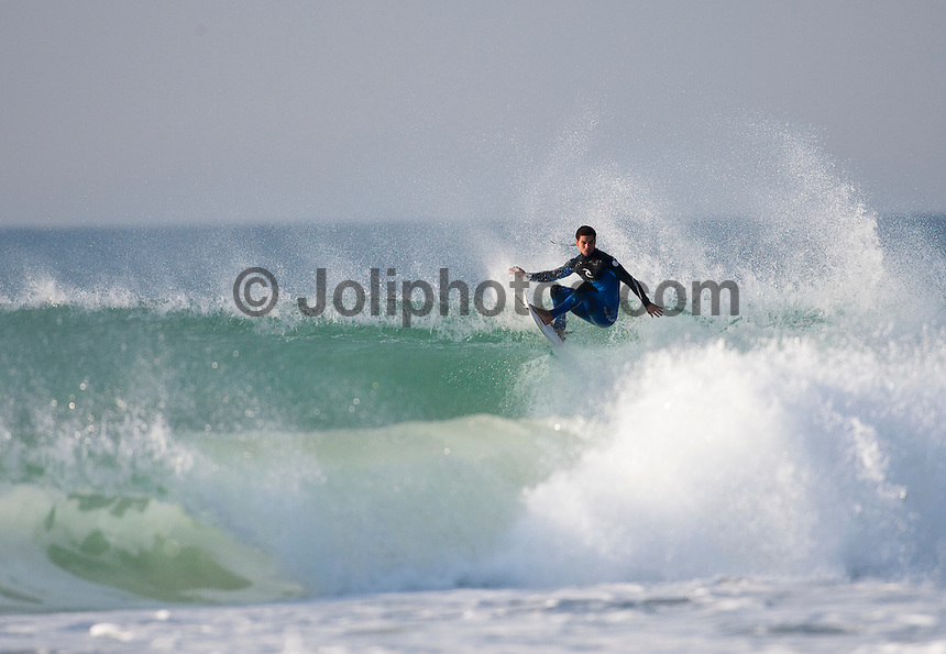MICHEL BOUREZ (PYF) Surfing at Jeffreys Bay, (Saturday 11th July 2009), Eastern Cape, South Africa ,   Photo: joliphotos.com