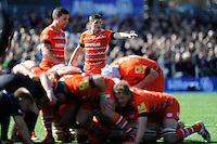 Freddie Burns of Leicester Tigers dictates the play during the Aviva Premiership Rugby match between Saracens and Leicester Tigers at Allianz Park on Saturday 11th April 2015 (Photo by Rob Munro)