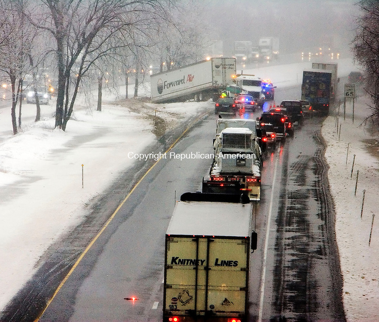 MIDDLEBURY, CT- 13 FEBRUARY 2008- 021308JT03- <br />Traffic is backed up in the east-bound lanes of Interstate 84 in Middlebury after a tractor-trailer crashed into the median on Wednesday morning.<br />Josalee Thrift / Republican-American