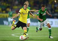 FUSSBALL   1. BUNDESLIGA   SAISON 2012/2013   1. SPIELTAG Borussia Dortmund - SV Werder Bremen                  24.08.2012      Marco Reus (li, Borussia Dortmund) gegen Aleksandar Ignjovski (re, SV Werder Bremen)