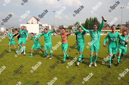 2012-05-20 / Voetbal / seizoen 2011-2012 / Rochus Deurne promoveert..Foto: Mpics.be
