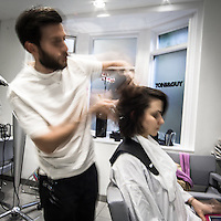 L'atelier in Curzon Street di Toni &amp; Guy la catena internazionale di parrucchieri famosa nel mondo.<br /> <br /> Toni &amp; Guy atelier in Curzon Street, the international company of hair stylists famous in the worldwide.