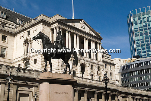 Bank of England City of London UK Duke of Wellington Statue  Threadneedle Street London EC2