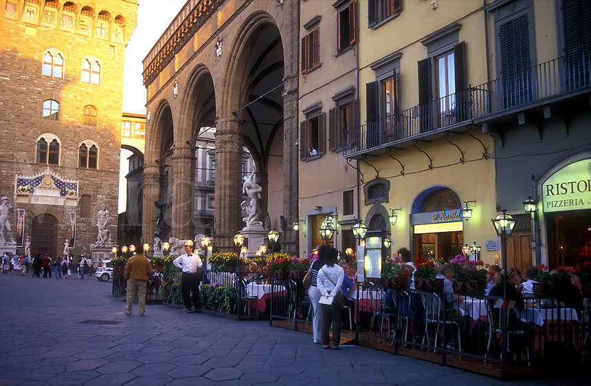 Italy, Florence, Tuscany, Piazza della Signoria, restaurants and cafes