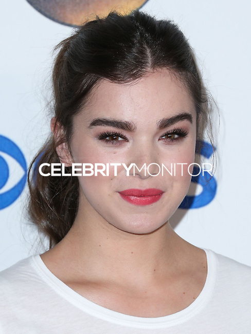 HOLLYWOOD, LOS ANGELES, CA, USA - SEPTEMBER 05: Hailee Steinfeld arrives at the 4th Biennial Stand Up To Cancer held at Dolby Theatre on September 5, 2014 in Hollywood, Los Angeles, California, United States. (Photo by Xavier Collin/Celebrity Monitor)
