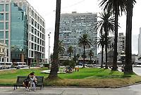 URUGUAY Montevideo Plaza de Independencia   / URUGUAY Montevideo Plaza de Independencia