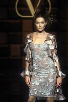 CARLA BRUNI<br /> 1996<br /> Valentino<br /> &copy; Guy Marineau/Catwalkpictures/TORDOIR/DALLE