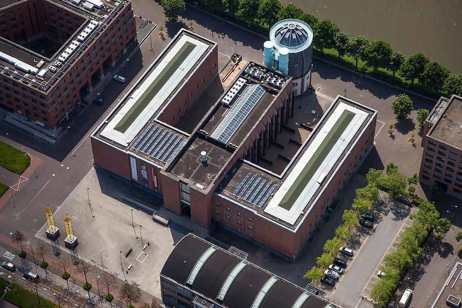 Nederland, Limburg, Gemeente Maastricht, 27-05-2013; <br /> Het Bonnefantemuseum in de nieuwe wijk Ceramique, aan de oever van rivier de Maas.<br /> The Bonnenfantenmuseum in the new Ceramique district, with ton the River Maas (Meuse).<br /> luchtfoto (toeslag op standaardtarieven);<br /> aerial photo (additional fee required);<br /> copyright foto/photo Siebe Swart.