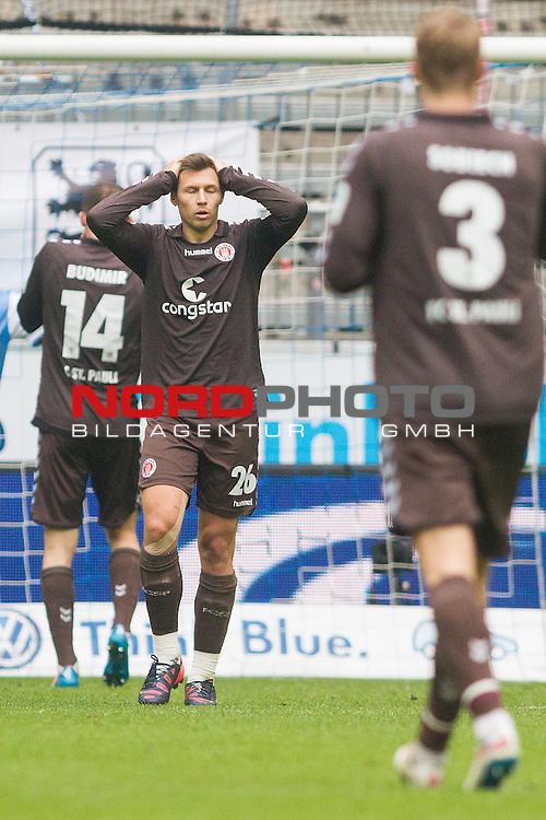 21.02.2015, Allianz Arena, Muenchen, GER, 2. FBL, TSV 1860 Muenchen vs. FC St. Pauli, im Bild Soeren Gonther (St. Pauli #26) entauscht<br /> <br /> Foto &copy;  nordphoto/ Straubmeier