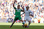 Gabriel Appelt Pires of Deportivo Leganes fights for the ball with Luka Modric of Real Madrid during their La Liga match between Real Madrid and Deportivo Leganes at the Estadio Santiago Bernabéu on 06 November 2016 in Madrid, Spain. Photo by Diego Gonzalez Souto / Power Sport Images