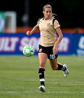 FC Gold Pride midfielder Leslie Osborne (10) during a WPS match at Anheuser-Busch Soccer Park, in St. Louis, MO, July 26, 2009.  The match ended in a 1-1 tie.