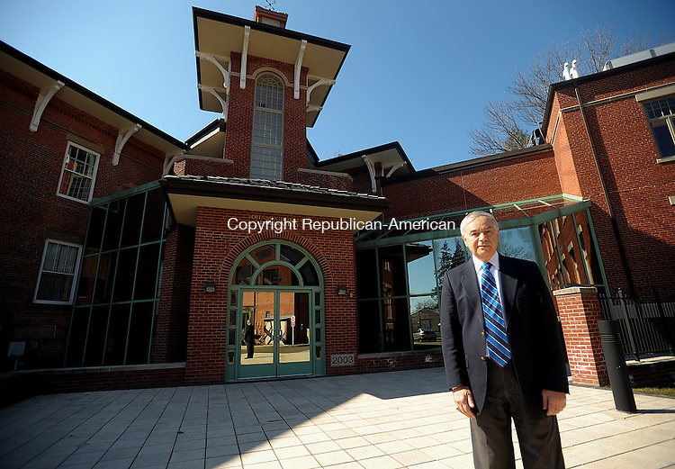 NEW HAVEN. CT, 05 MARCH  2012-030512JS04-Dr. Louis A. Magnarelli, Director of the Connecticut Agricultural Experiment Station, stands outside the Johnson-Horsfall Building and Laboratory on the grounds in New Haven. .Jim Shannon Republican-American