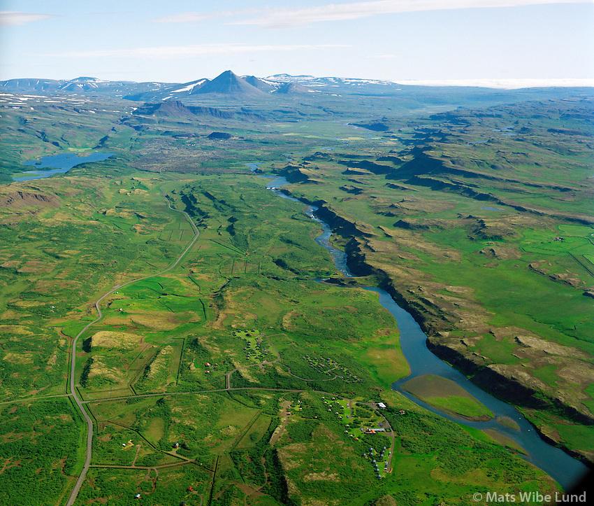 Munaðarnes BSRB séð til norðurs, Norðurá, Borgarbyggð áður Stafholtstungnahreppur / Munadarnes holiday homes for BSRB. Viwewing north river Nordura. Borgarbyggd former Stafholtstungnahreppur.