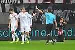 06.10.2019, Commerzbankarena, Frankfurt, GER, 1. FBL, Eintracht Frankfurt vs. SV Werder Bremen, <br /> <br /> DFL REGULATIONS PROHIBIT ANY USE OF PHOTOGRAPHS AS IMAGE SEQUENCES AND/OR QUASI-VIDEO.<br /> <br /> im Bild: Maximilian Eggestein (#35, SV Werder Bremen), Schiedsrichter Guido Winkmann, Goncalo Paciencia (Eintracht Frankfurt #39)<br /> <br /> Foto © nordphoto / Fabisch