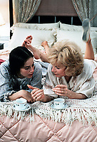 Terms of Endearment (1983) <br /> Shirley MacLaine &amp; Debra Winger<br /> *Filmstill - Editorial Use Only*<br /> CAP/MFS<br /> Image supplied by Capital Pictures