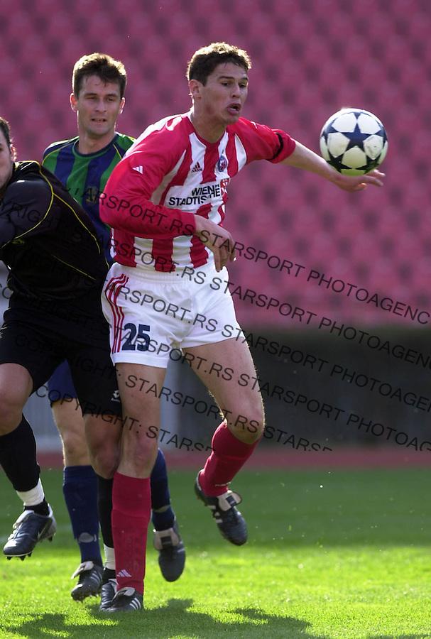 SPORT FUDBAL CRVENA ZVEZDA ZEMUN Zigic 21.03.2004. foto: Pedja Milosavljevic<br />