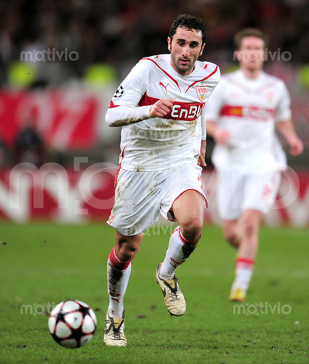 FUSSBALL  International  Champions   League  Hinspiel   SAISON 2009/2010    VfB Stuttgart -  FC Barcelona      23.02.2010 Cristian Molinaro (VfB Stuttgart)